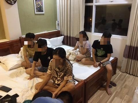 71 thanh niên tụ tập 'bay lắc' ma túy đá trong quán karaoke bị bắt quả tang
