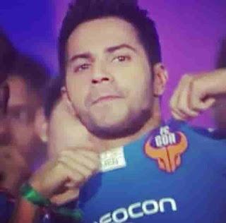Varun Dhawan Support FC Goa