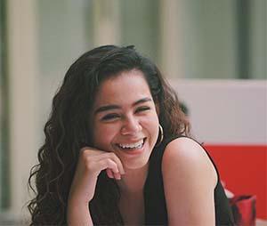 Sahila Hisyam Senyum