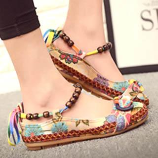 Flat model mary jane untuk sepatu wanita berkaki besar