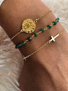 ou en métal plaqué or, avec pendentifs tendance qui ajoutent une touche  coloré à votre poignet. Voici les dernières tendances à porter cette été  2019.