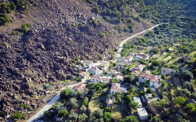 Καμμένη Χώρα: Το χωριό στα Μέθανα που χτίστηκε… πάνω στη λάβα