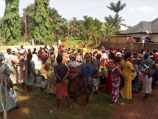 Covid 19 Palliative Distribution: Eziama Youth Forum Paid Surprised Visit To Their Mothers At Home With Food Items