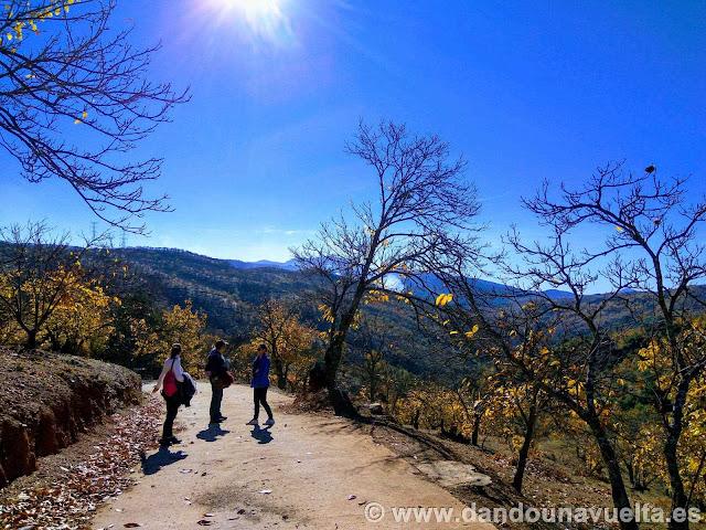 Panorámica subida final en la ruta de senderismo de los castaños Parauta