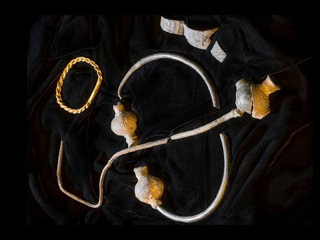 Isle of Man Viking jewellery found by metal detectorist