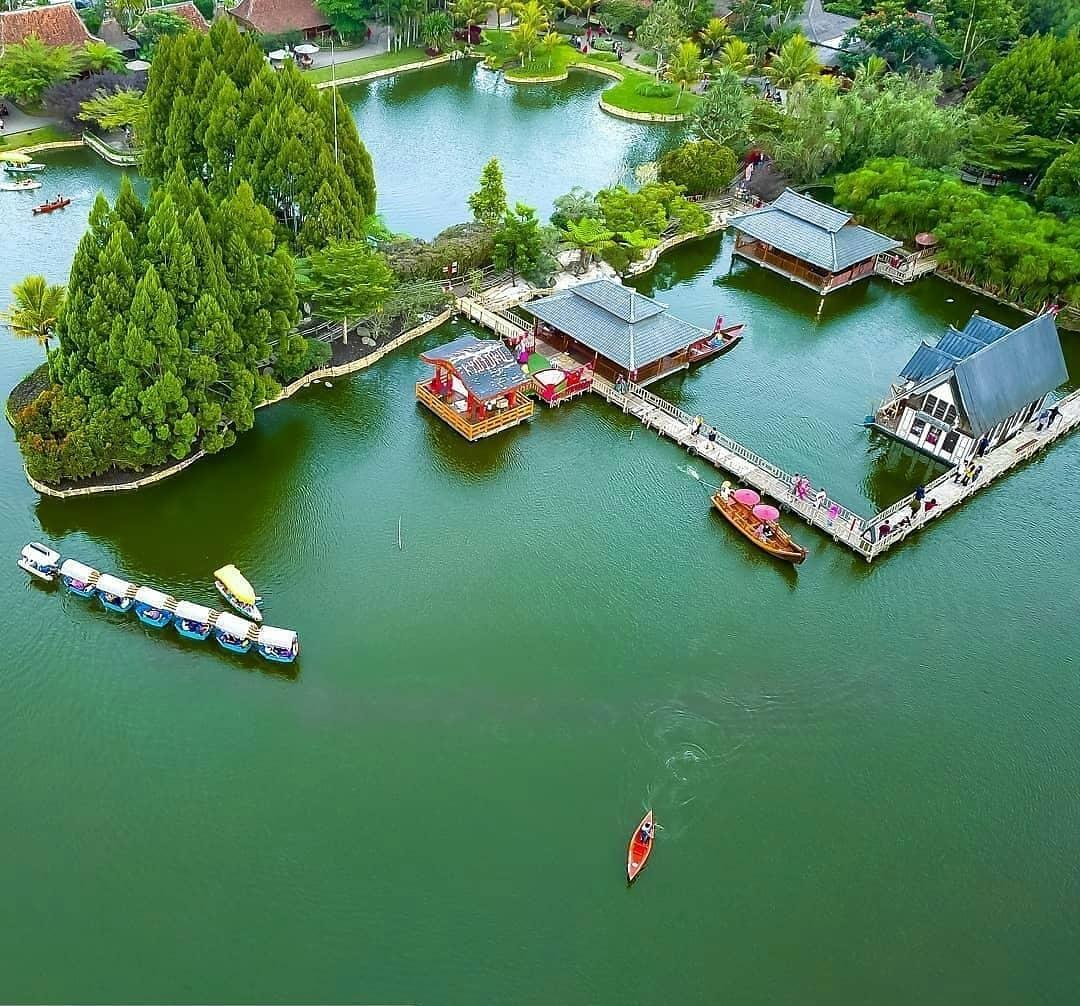 √Jalan-Jalan ke Floating Market Lembang Bandung - Magerzone.com