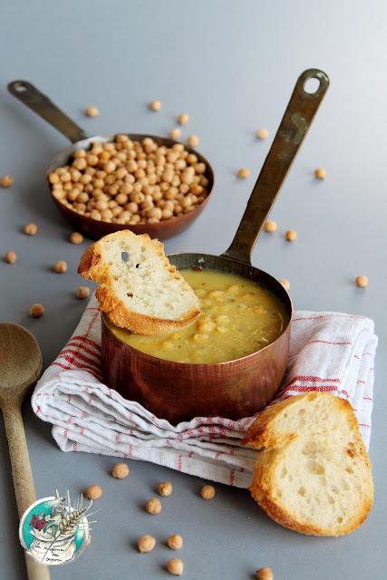 La nostra ricetta della Zuppa di ceci toscani per scaldare corpo e anima!