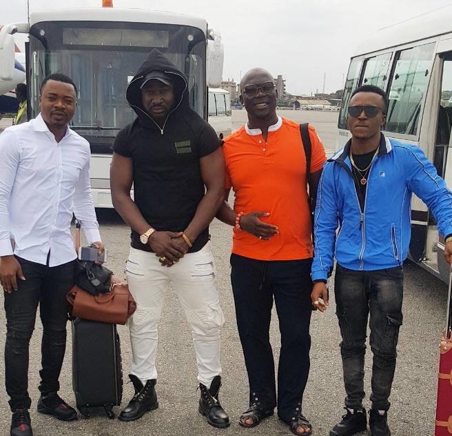 Singer Harrysong hangs out with Humblesmith, Gordons