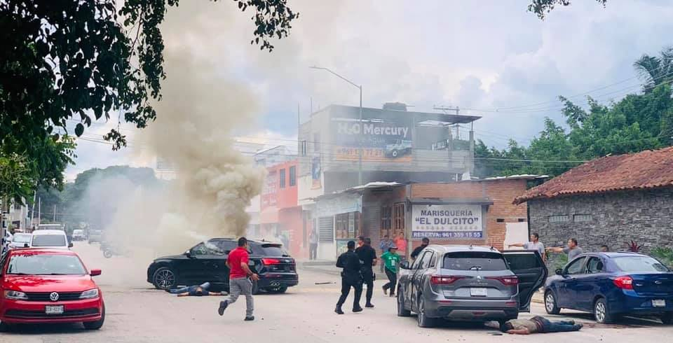 Video: Así fue como Convoy de Sicarios interceptó dos vehículos en calles de Tuxtla Gutiérrez; Chiapas y ejecutó a todos sus ocupantes