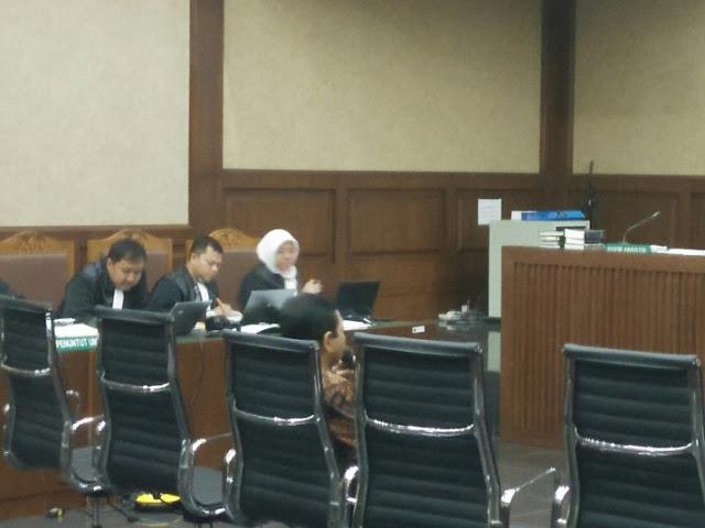 Hanya Setya Novanto Saksi yang Keluar Ruang Sidang Lewat Pintu Hakim