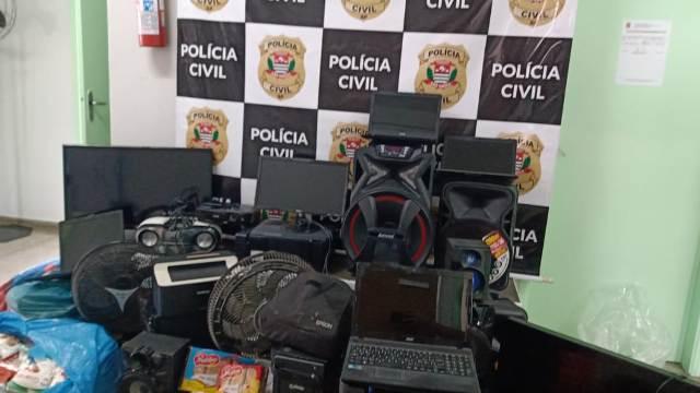 Polícia Civil prende em flagrante homem com drogas e objetos furtados de escola em Pariquera-Açu