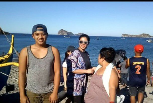 Angel Locsin Was Spotted By Fans In Zambales