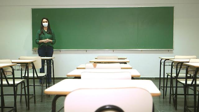 A repórter Olívia Freitas fala sobre os desafios para a retomada das aulas presenciais