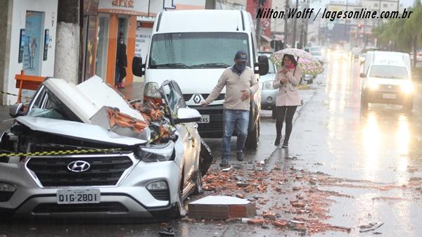 Vendaval, destruição em Lages terça dia 30 de junho 2020