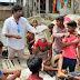 बाढ़ पीड़ितों के लिए मशीहा बने डॉ चन्दन