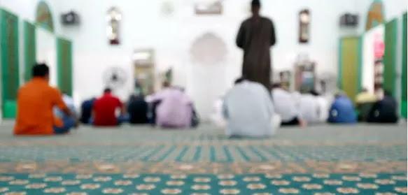 Salat Qabliyah Ketika Khotbah Berlangsung, Sahkah?