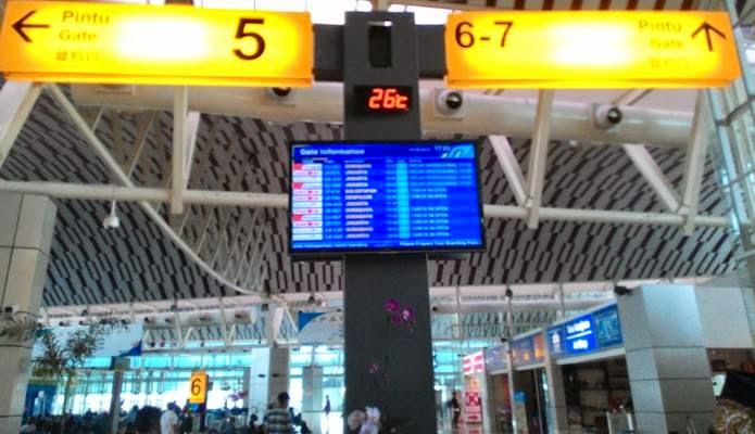 Ruang Tunggu di Gate 5 Bandara Sultan Hasanuddin