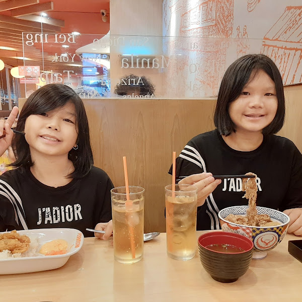 Makan Hemat di Yoshinoya Menggunakan Treats by Traveloka Eats