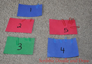 Math activitives learn to count with numbers and paperclips