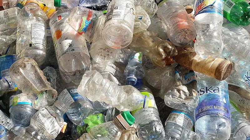Ουσία ή ευχολόγια η νομοθεσία για τα πλαστικά μίας χρήσης;