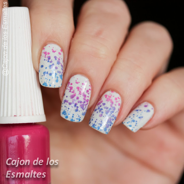 Uñas con gradiente o  estampado degrade