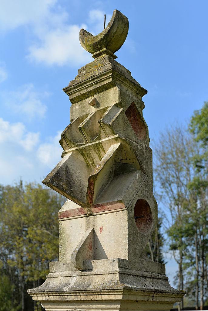 Sundial of the Groirie in Yvré-l'Evêque.