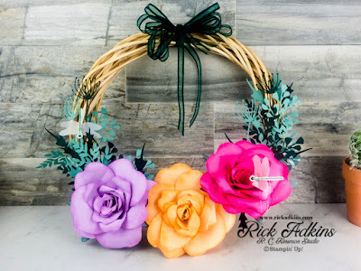 Learn how to make a summertime wreath that's filled with paper foliage and dragonflies.  Dragonfly Garden by Stampin' Up!