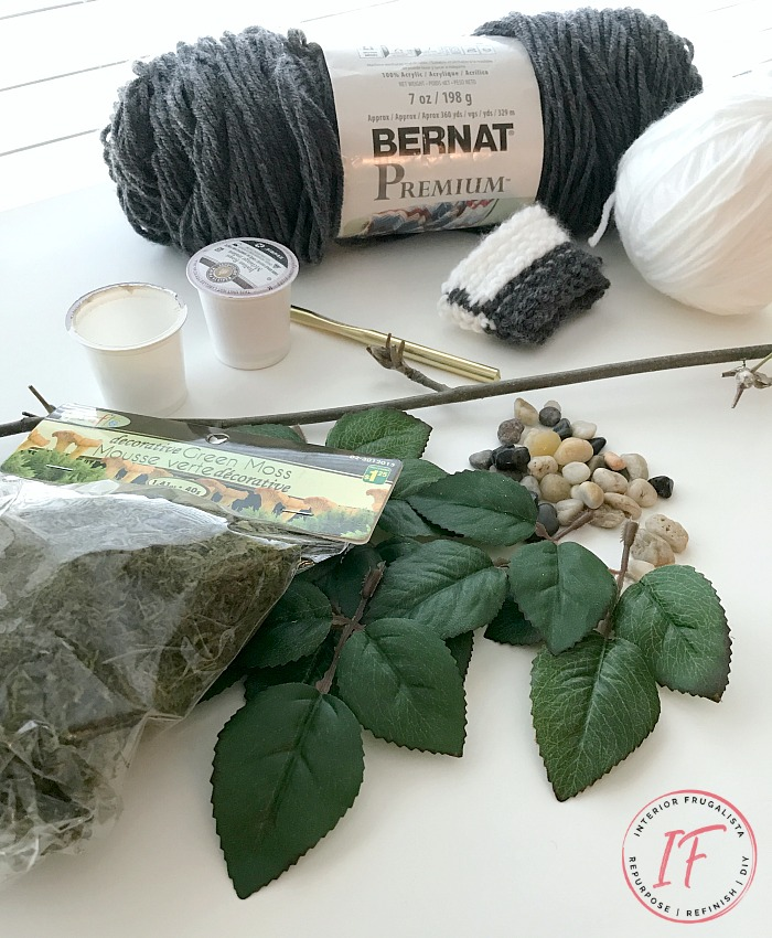 How to make an easy miniature fiddle leaf fig plant with dollar store floral picks plus an on trend Boho-style knit plant pot cover for a dollhouse.