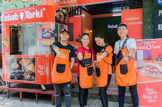 mot-cua-hang-kebab-torki-voi-day-du-he-thong-nhuong-quyen-thuong-hieu