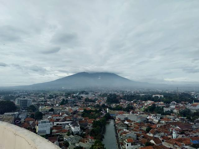 [FOTO] Pemandangan Gunung Salak Di Pagi Hari