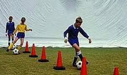 Contoh Teknik Dasar Sepakbola dan Cara Melakukannya