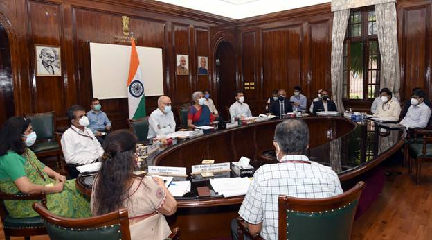 finance-ministry-meeting-with-infosys-and-tax-professionals-on-issues-in-new-income-tax-portal