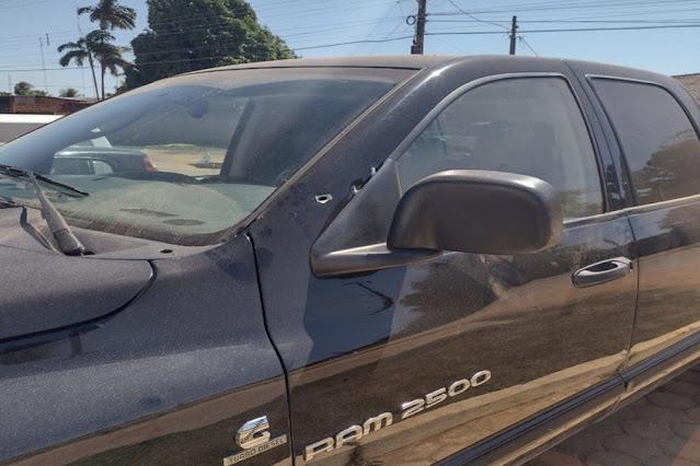 Motorista de caminhonete é baleado, dirige até delegacia e presta 'depoimento' antes de morrer em RO