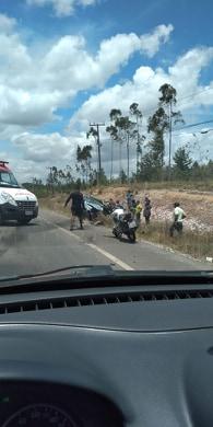 Acidente é registrado na manhã desta segunda-feira  na via Cetrel em Camaçari.Veja o Vídeo.