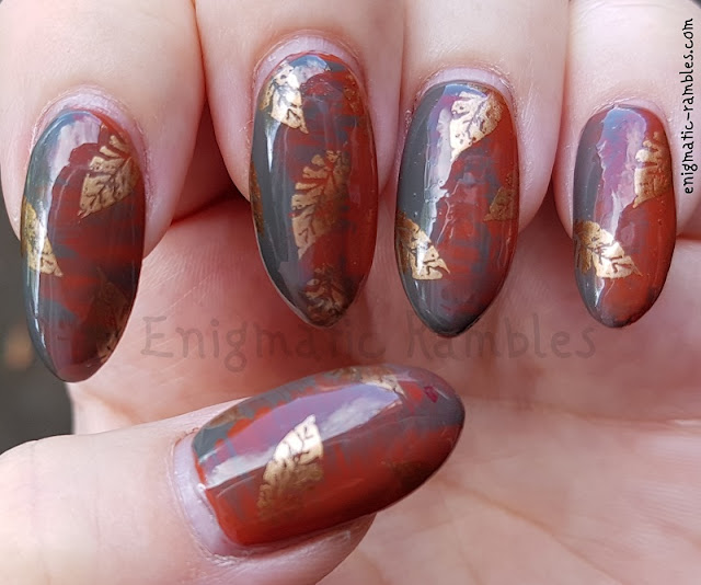 autumn-fall-leaves-nails