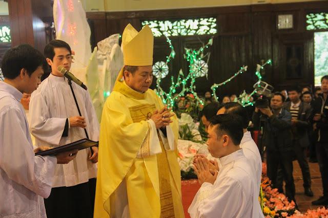 Lễ truyền chức Phó tế và Linh mục tại Giáo phận Lạng Sơn Cao Bằng 27.12.2017 - Ảnh minh hoạ 121