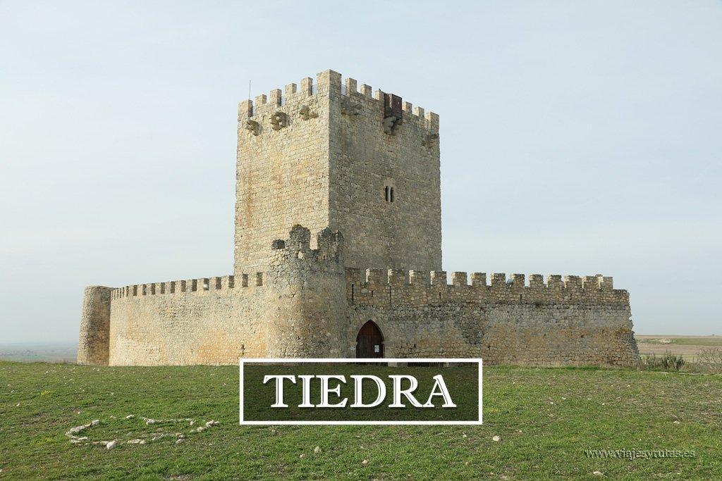 Tiedra, un Castillo entre campos de lavanda
