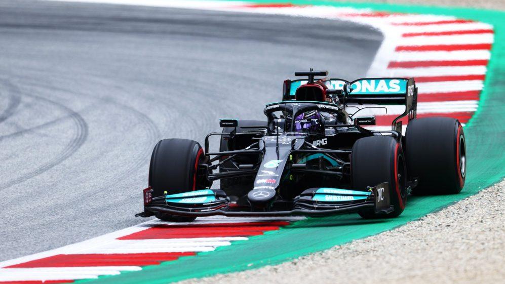 Lewis Hamilton liderou uma Mercedes dobradinha no segundo treino no Red Bull Ring