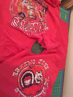 Two sided T-shirt for rag quilt