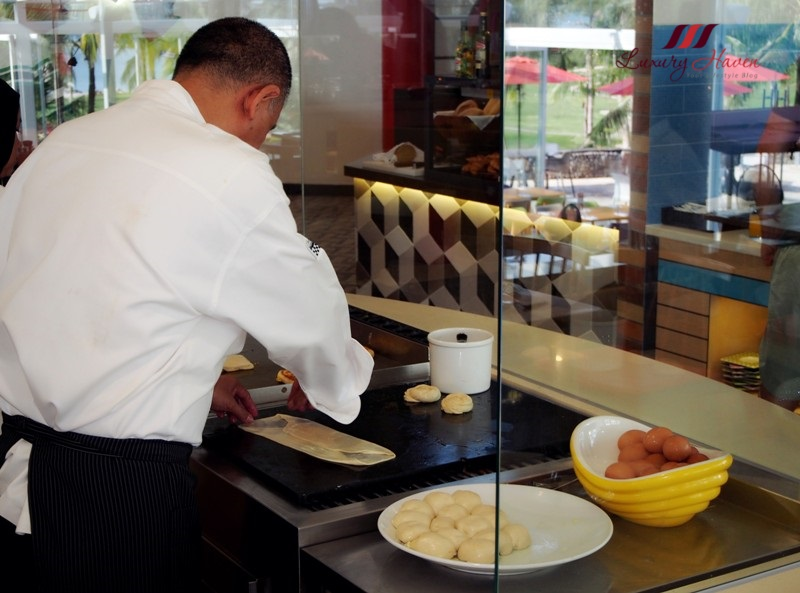 bintan lagoon resort fiesta buffet breakfast paratha