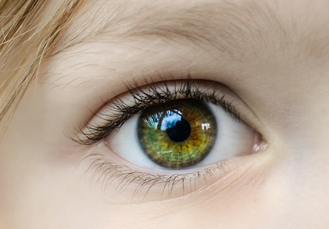 Top 20 Shayari On Eyes..  Love Story  Shayari  