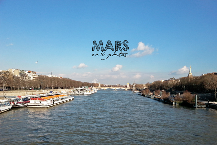 Vue de la Seine d'un pont en soirée