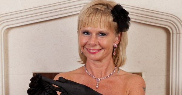 Cathy Oakely Nude Photos 10