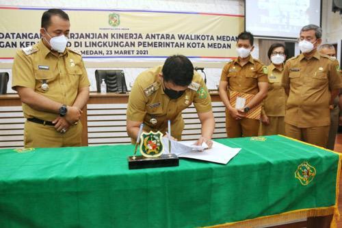 Kepala OPD-Camat Tandatangani Perjanjian Kinerja dengan Wali Kota Medan