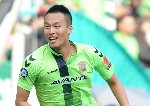 Jeonbuk Hyundai Motors striker Kim Shin-wook will be reminded of better times this weekend as he faces his old club Ulsan Hyundai in Jeonju.  (Photo Credit: Hyundai-MotorsFC.com)