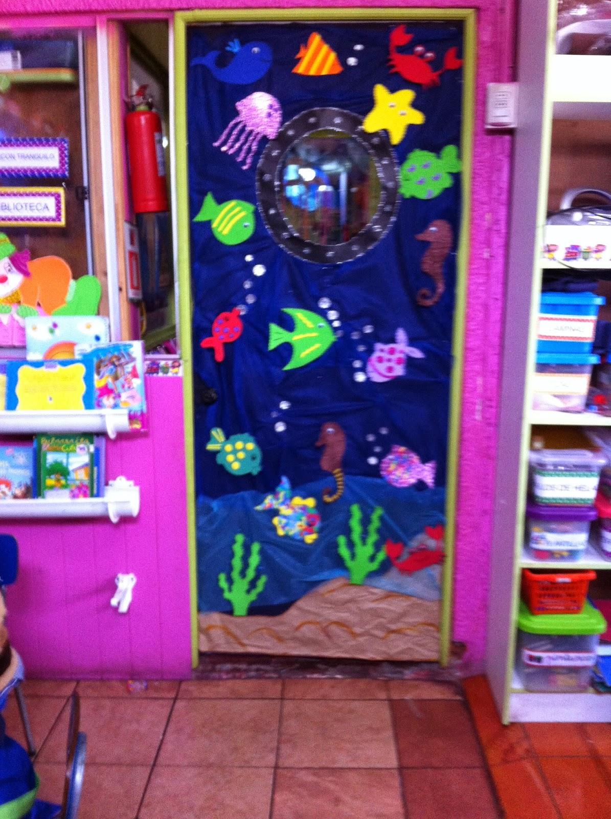 Jard n infantil un mundo de amor muestra de decoraci n for Puertas decoradas para el 10 de mayo
