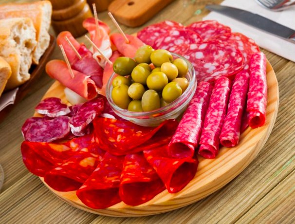 10 Makanan Yang Mungkin Meningkatkan Risiko Kanker Anda