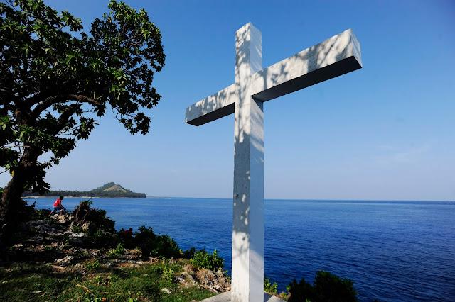 pantai pulau miangas sulawesi utara