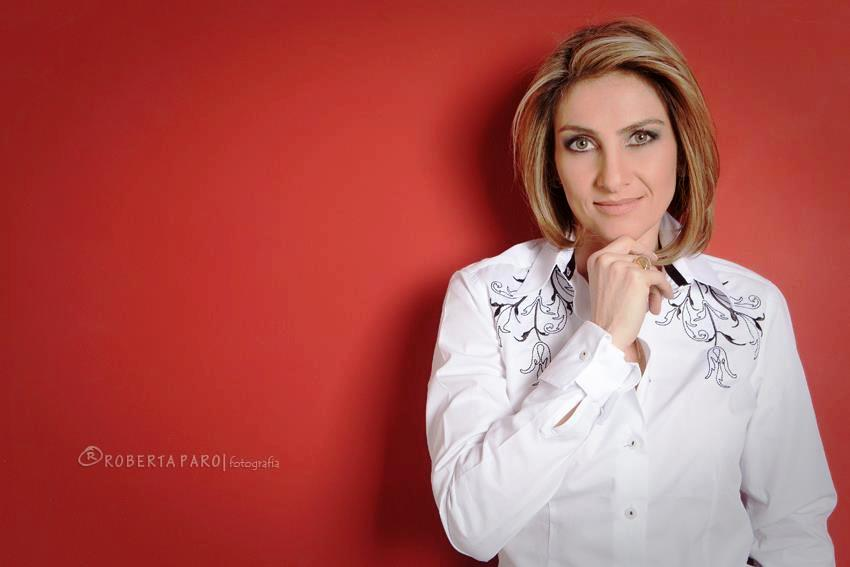 A autora - A curitibana Ana Artigas é psicóloga, palestrante, criadora do  conceito Inteligência Relacional e coach de executivos. 9cbbab388b