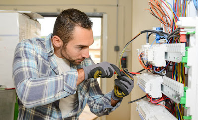 Industrial Electrician Wanted in Canada by Ingram Micro Commerce